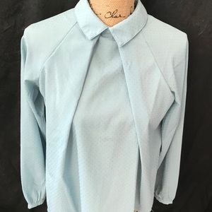 Button up the back blouse mt green w/ gold buttons
